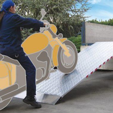 Rampa de incarcare si descarcare – max. 2900 kg pe pereche | M030B2 | METALMEC