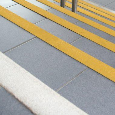Coltare de atentionare pentru trepte | COBA Grip
