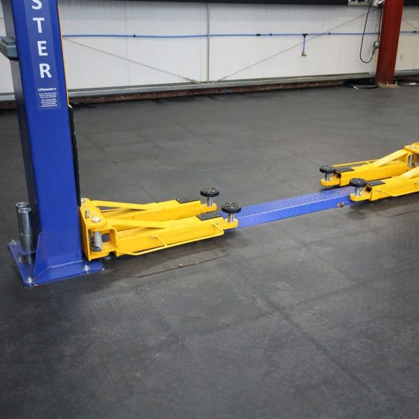 4350 placi prin imbinare tough lock eco coba Pardoseala industriala din PVC pentru trafic si tonaj ridicat| Tough-Lock eco | COBA - Unilift
