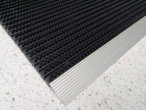Covor intrare cu profil din aluminiu   NEGRU   ABI
