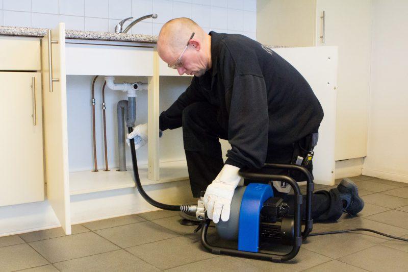 8893 sarpe desfundat tevi canalizari tambur electric rioned Sarpe cu tambur electric desfundat tevi/canalizari  (max. 75mm) FlexMatic+ | Rioned - Unilift Sarpe cu tambur electric