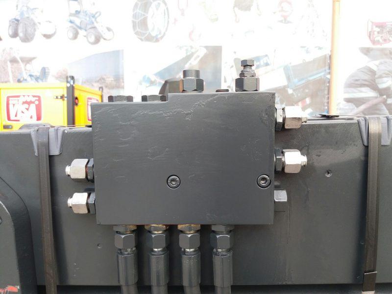 8964 bale clampbolzoni auromo bolzoni meyer Clamp baloti rectangulari (max. 4000kg) - reconditionat   Bolzoni - Unilift Clamp baloti rectangulari