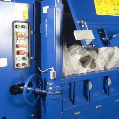 Presa compactoare pentru materiale reciclabile PP 1208   Strautmann