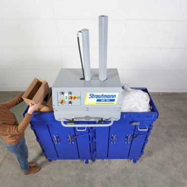 Presa compactoare dubla pentru materiale reciclabile MK700 si MK1100   Strautmann
