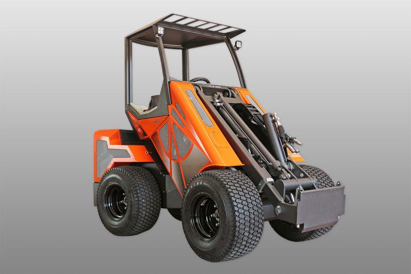 IMG 8100 28T WEB Miniincarcator multifunctional  Cast 28T - 25HP - max. 950 kg - Unilift Cast 28T – 25HP