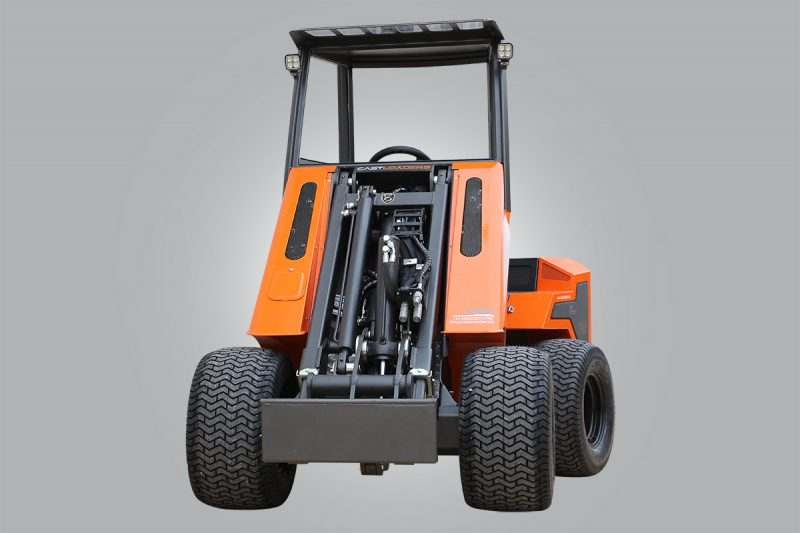 mini incarcator cast 20T 1 1 Miniincarcator multifunctional  Cast 20T - 20CP - max. 800 kg - Unilift Cast 20T – 20CP