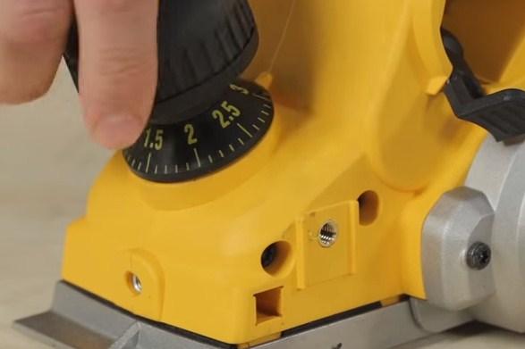 rindea electronica dewalt 4 mm 4653 Rindea electronica 4 mm | DeWALT - Unilift