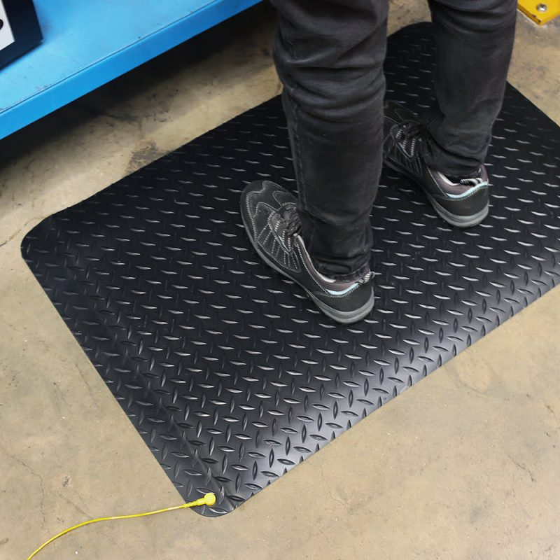 af deckplate anti static esd esd mats and equipment 3 Covor anti-static | Deckplate Anti-static | COBA - Unilift
