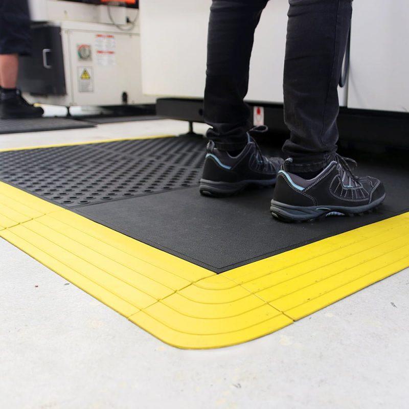 af fatigue lock workplace matting 2 Placi prin imbinare Fatigue-Lock | COBA - Unilift