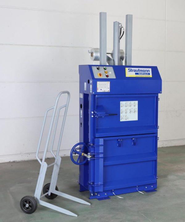 BalePress6 852x1024 1 Presa compactoare pentru carton si hartie BalePress 6 | Strautmann - Unilift