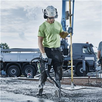 22 Vibrator pentru beton SMART E 48 Husqvarna - Unilift Vibrator pentru beton SMART E 48 Husqvarna